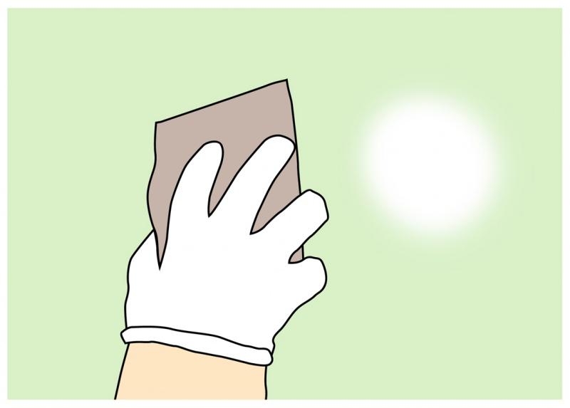 ペンキが付着しにくいツルツルの面などには粗めのサンドペーパーで表面を荒く仕上げると塗装しやすくなる